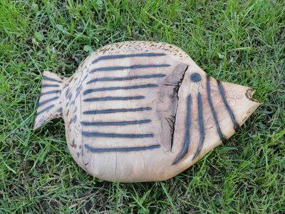Pesce decorativo in legno