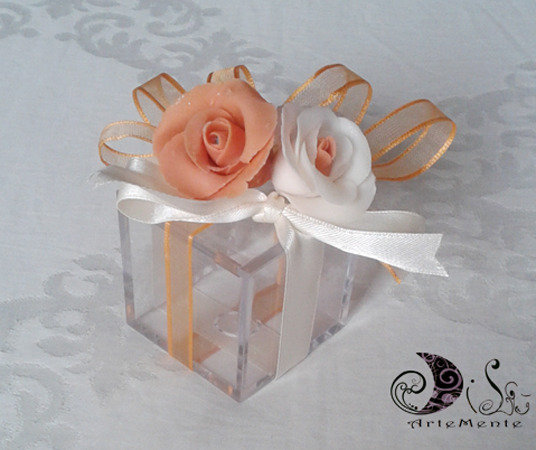 Bomboniera matrimonio Scatola plexiglass portaconfetti decorata con rose - completa