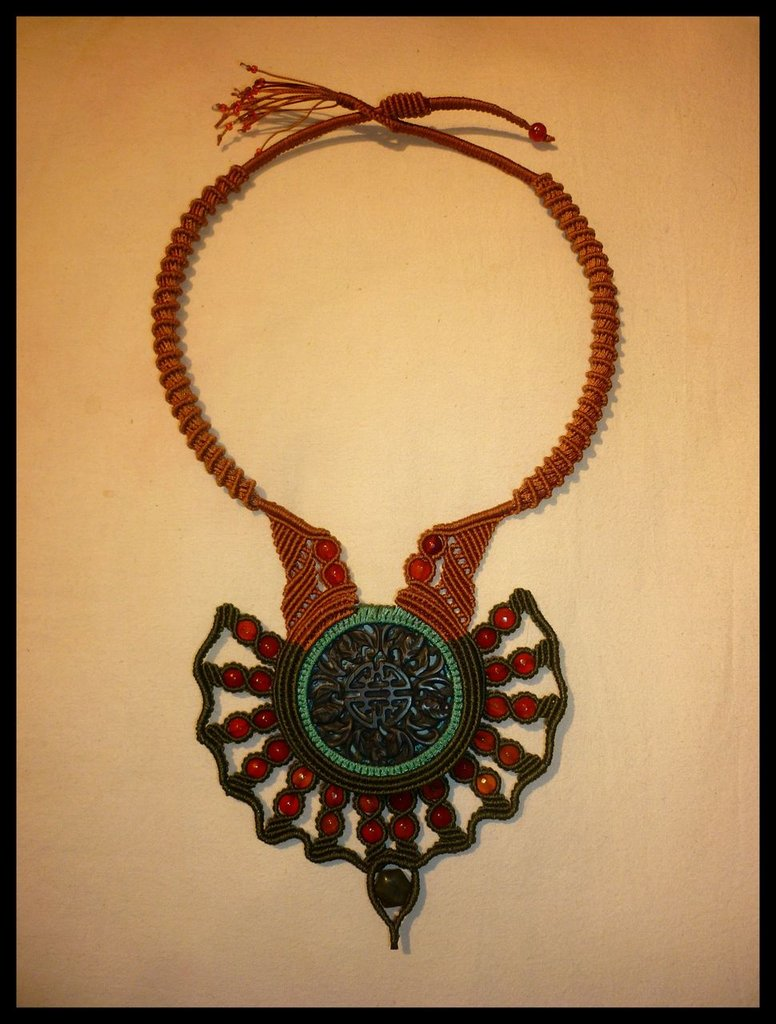 "Amuleto tribale ""Rosa di Giada"""