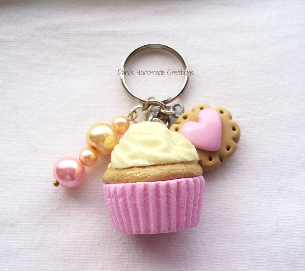 Portachiavi Cupcake Alla Crema Biscotto In Fimo E Perle Donna