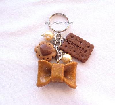 Portachiavi autunno con fiocco, biscotti in fimo e perle