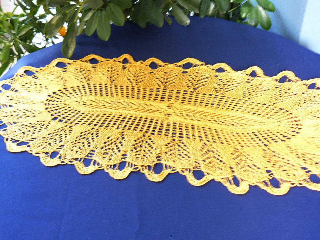 centrotavola ovale giallo