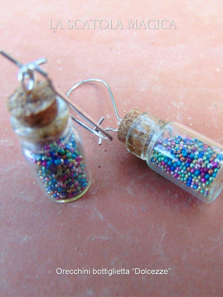 Collezione Dolcezze - Orecchini con bottiglietta in vetro e zuccherini colorati