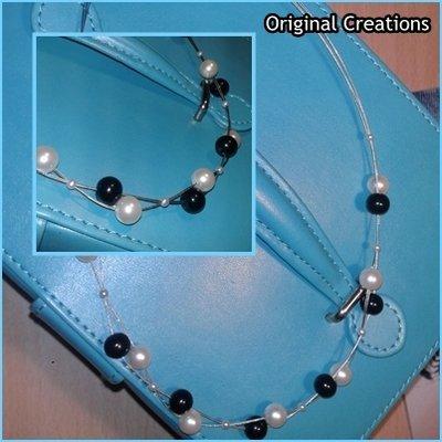 Collana con filo argentato