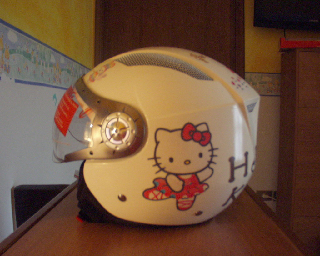 CASCO HELLO KITTY