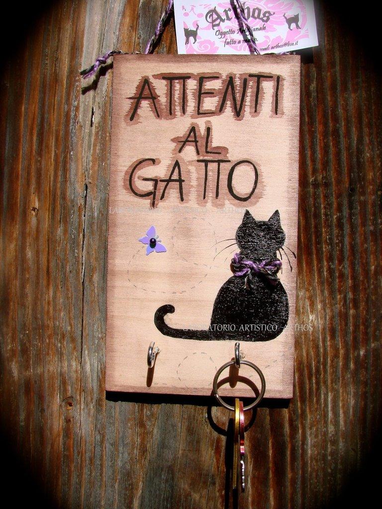 Targa  ATTENTI AL GATTO con portachiavi  artigianale in legno