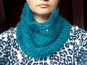 SCALDACOLLO UNISEX IN LANA TURCHESE A CROCHET (ART.54)