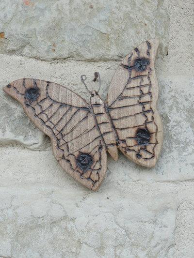 Farfallina decorativa in legno