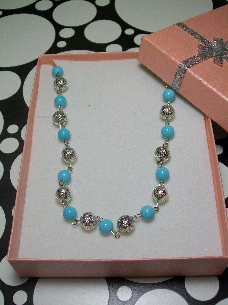 ULTIMO PEZZO - Collana Bigiotteria Perle Colore Turchese E Perle Cave Lavorate Colore Argento Senza Nichel