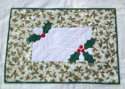 NATALE - centro tavola di Natale color verde con agrifoglio