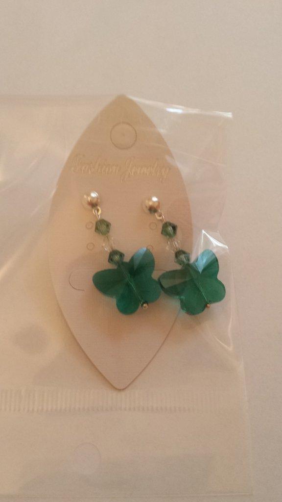 Orecchini perno pendente con farfalle verdi e cristalli Swarovski