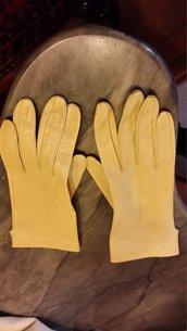 Guanti in pelle gialli
