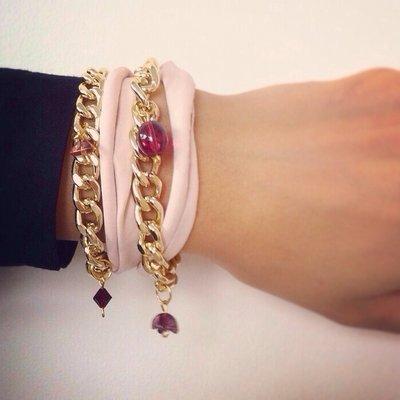 Bracciale rosa con perline