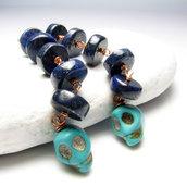 Orecchini lunghi lapis lazuli, orecchini teschietti, orecchini teschio - Skulls