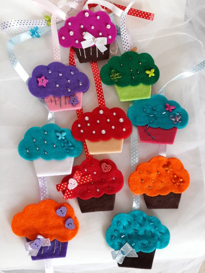 Segnalibro cupcake in feltro fatto a mano