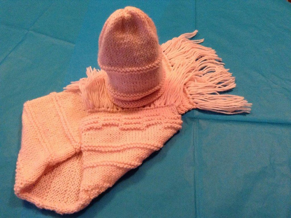 Completo sciarpina e cappellino