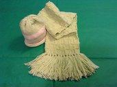 Sciarpina e cappellino per neonato