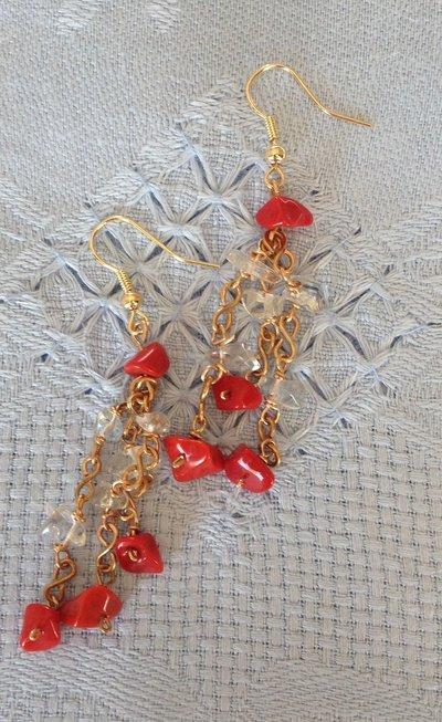 Orecchini fatti a mano in bronzo con agata e cristallo.