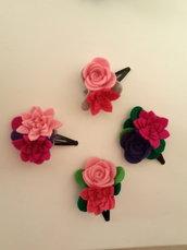 Fermagli a fiore di feltro fatti a mano