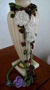 filo di rose color panna e oro con foglie