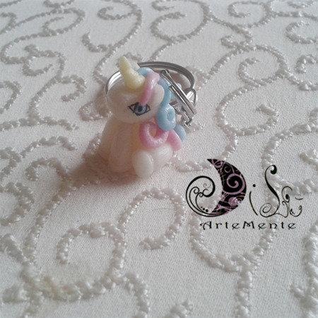 Bomboniera battesimo primo compleanno portachiave Unicorno portafortuna idea regalo
