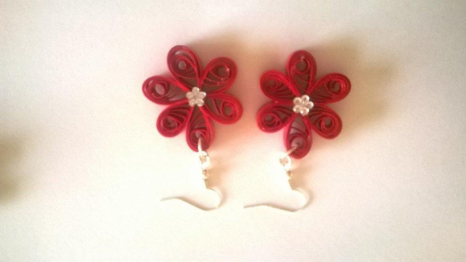 orecchini quilling paper (carta) forma di fiori.