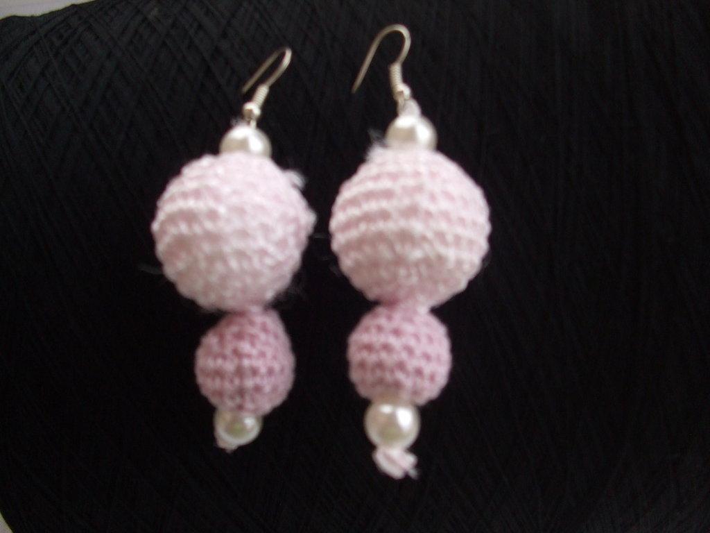 orecchini uncinetto cotone pendenti sfere perle