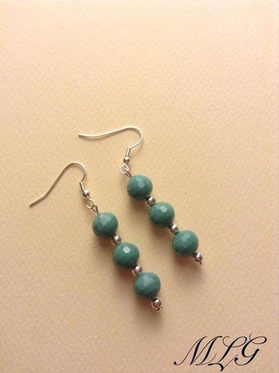 Orecchini con perle verde acqua