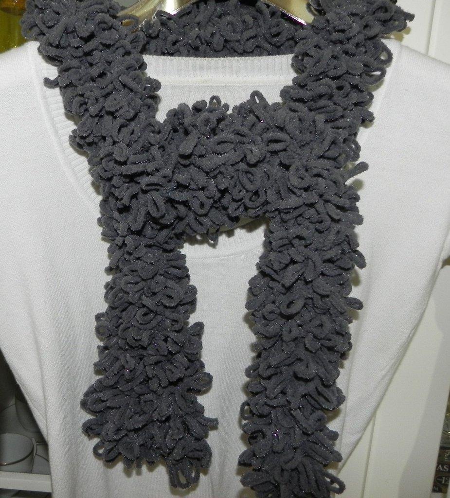 Sciarpa donna handmade grigio con lamè
