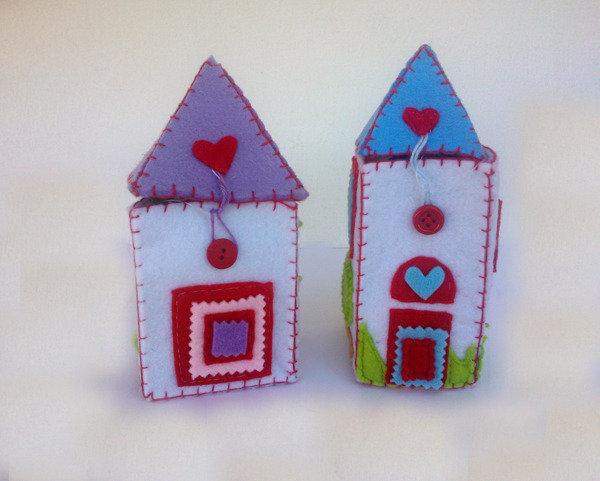 scatola casa in feltro, scatole fatte a casette in feltro