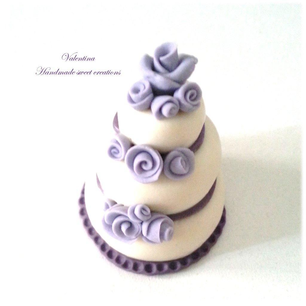 Mini wedding cake, segnaposto matrimonio torta rose lilla