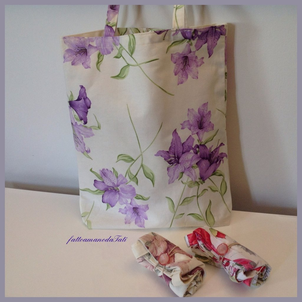 Shopping bag richiudibile in cotone stampato gigli viola