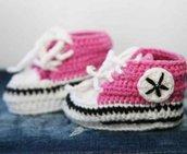 scarpine uncinetto per neonato stile Converse