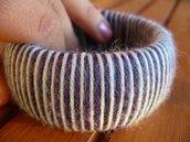 Braccialetto rigido in lana - Wool bangle