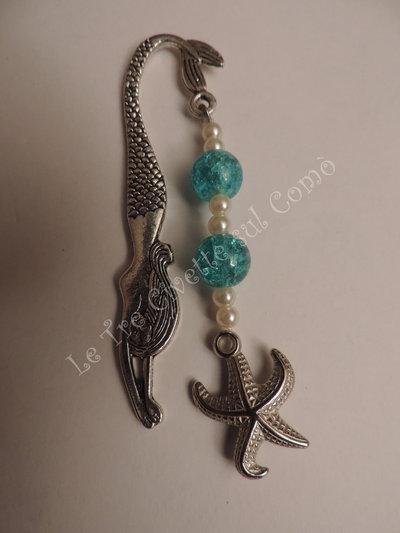 Sirena segnalibro in argento tibetano con stella marina e perle celesti e bianche