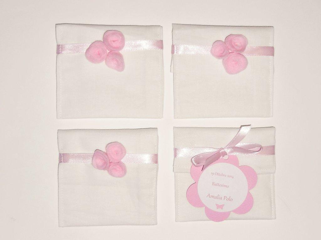 Bomboniera floreale: il bouquet di 3 fiori in feltro rosa per decorare il sacchetto portaconfetti fatto a mano!