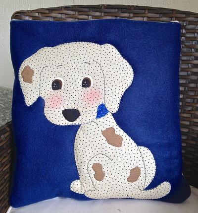 """cuscino quillow """"cagnolino""""- un cuscino con dentro un plaid"""