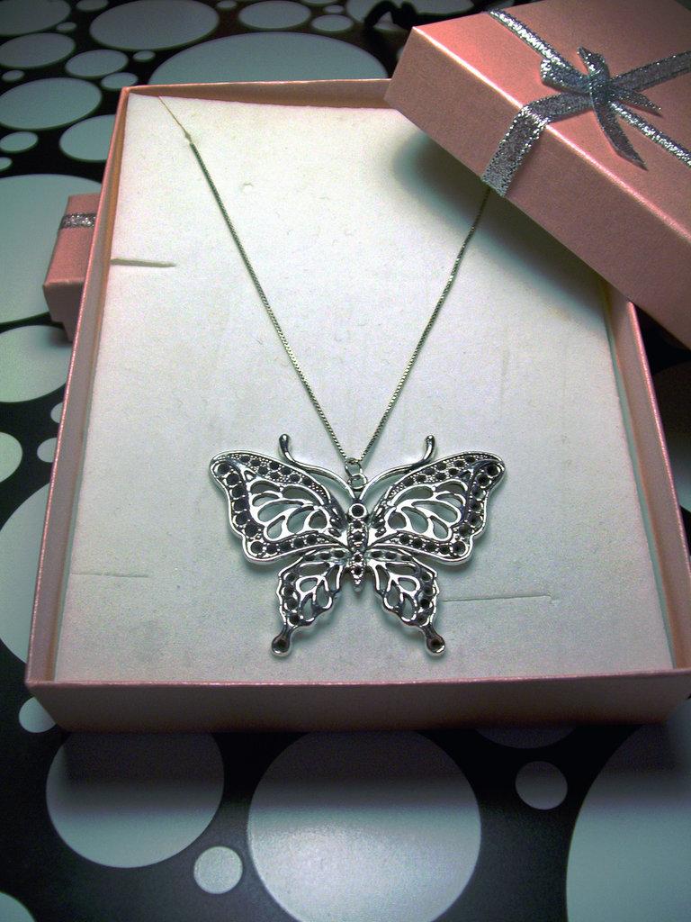 Ciondolo Farfalla Pendente Lavorato Colore Argento Antico Catenina Metallo Colore Argento Senza Nichel