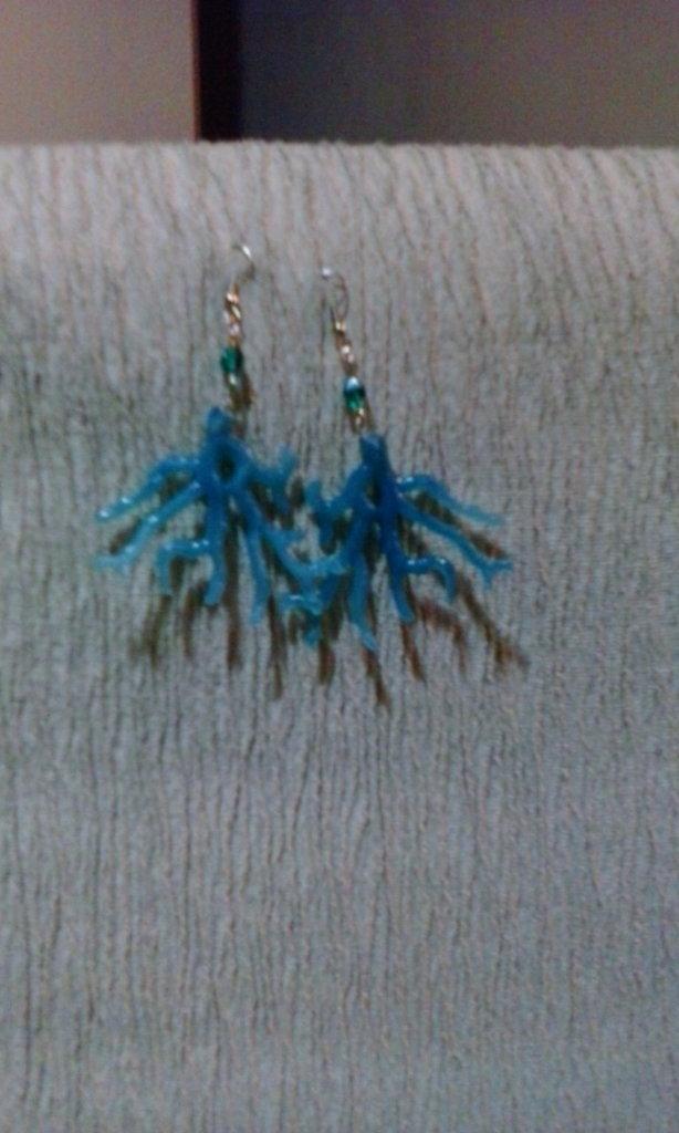 orecchini finto corallo