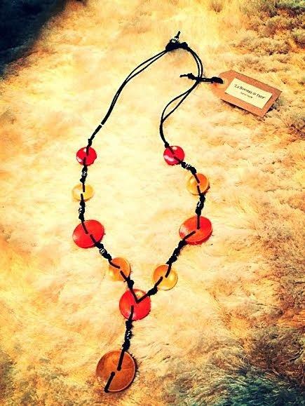 Collana artigianale in legno (Giallo-Arancione)