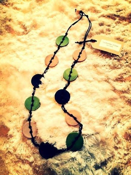 Collana artigianale in legno (Verde-Blu-Grigio)