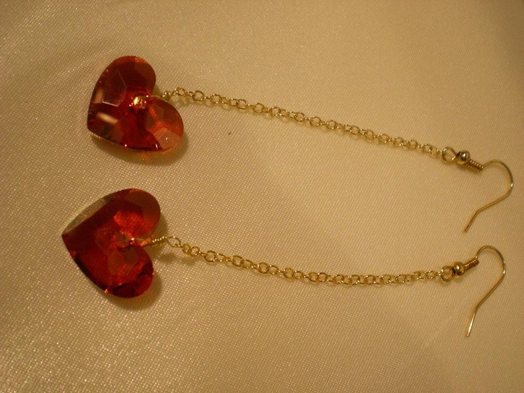 orecchino pendente con cuore in cristallo Swarovski
