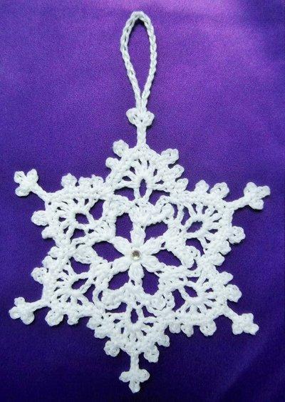 Fiocchi di neve decorazioni di natale fatti a mano feste for Lavori natalizi uncinetto