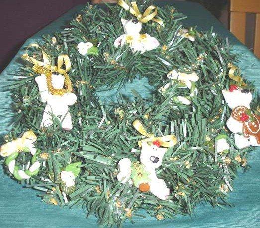 JUST XMAS - NATALE FIMO - CORONCINA NATALIZIAcon PEEK A BULL TERRIER - VERDE  - idea regalo, decorazione, segnaposto, centrotavola