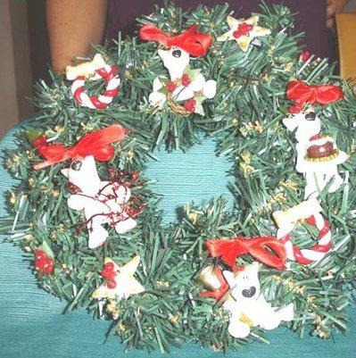 JUST XMAS - NATALE FIMO - CORONCINA NATALIZIAcon PEEK A BULL TERRIER - ROSSO - idea regalo, decorazione, segnaposto, centrotavola