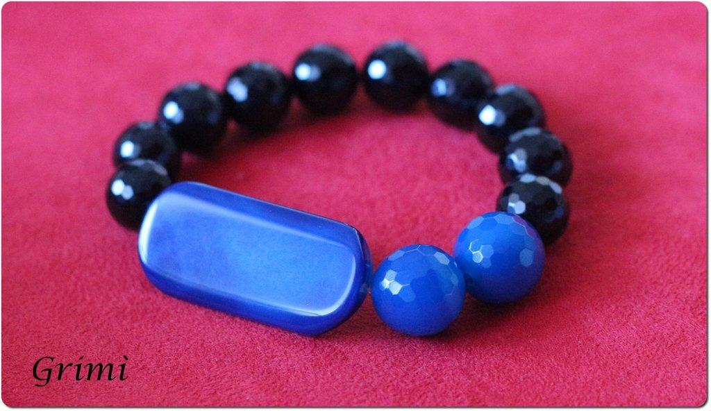 Bracciale elastico con onice e agata blu