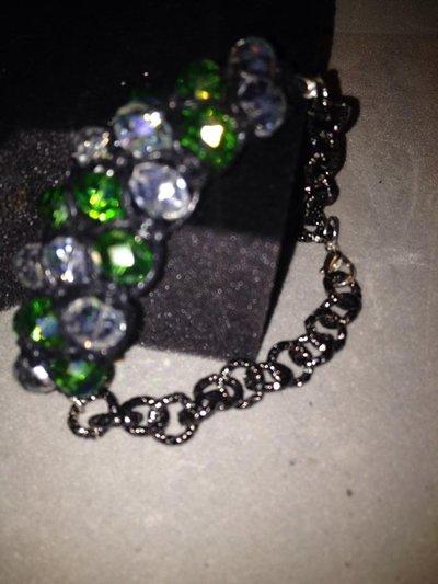 Bracciale di cristalli verdi a intreccio macramè - Serie Crystal