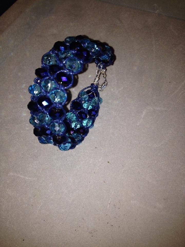 Bracciale di cristalli blu a intreccio macramè - Serie Crystal