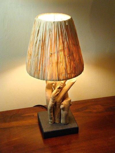 """Lampada """"KLETT"""" con legni di mare e rafia - Per la casa e per te - ...  su MissHobby"""