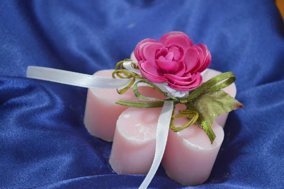 Bomboniere e articoli da regalo, saponi artigianali decorativi e profumati fatti a mano per la casa.